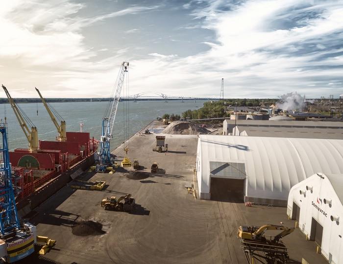 Solutions d'arrimage clés en main, chargement et déchargement de bateaux, Groupe Somavrac
