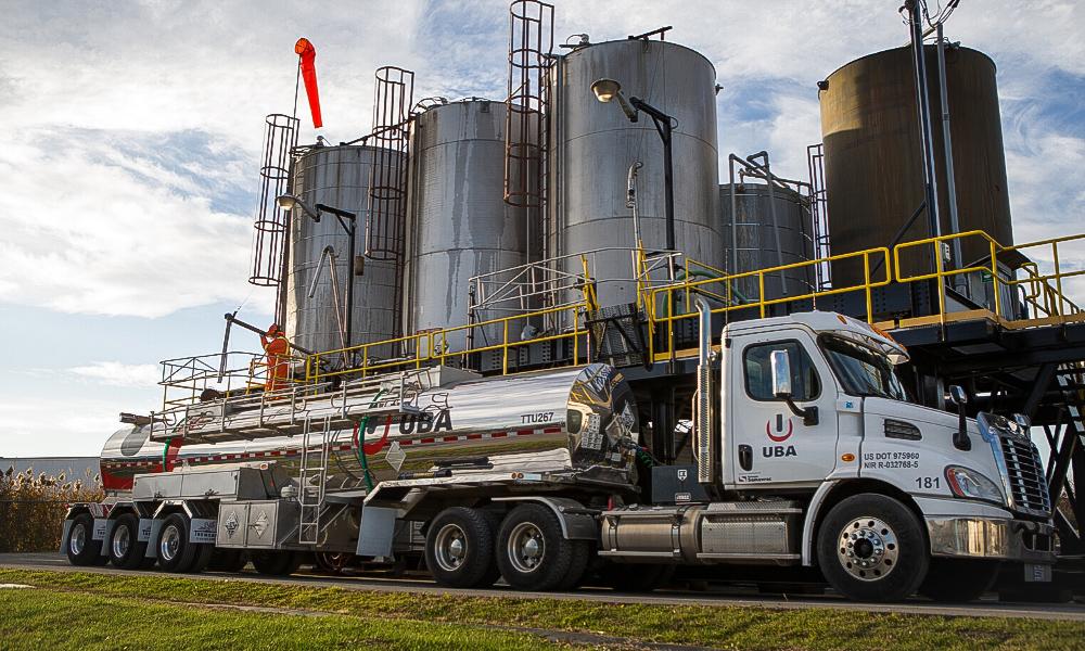 Chemical distribution service service de distribution de produits chimiques