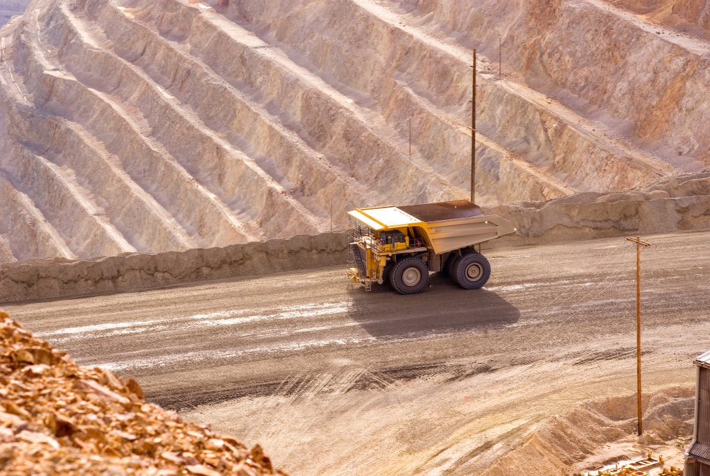 PM 65 - Somavrac C.C., mines et construction